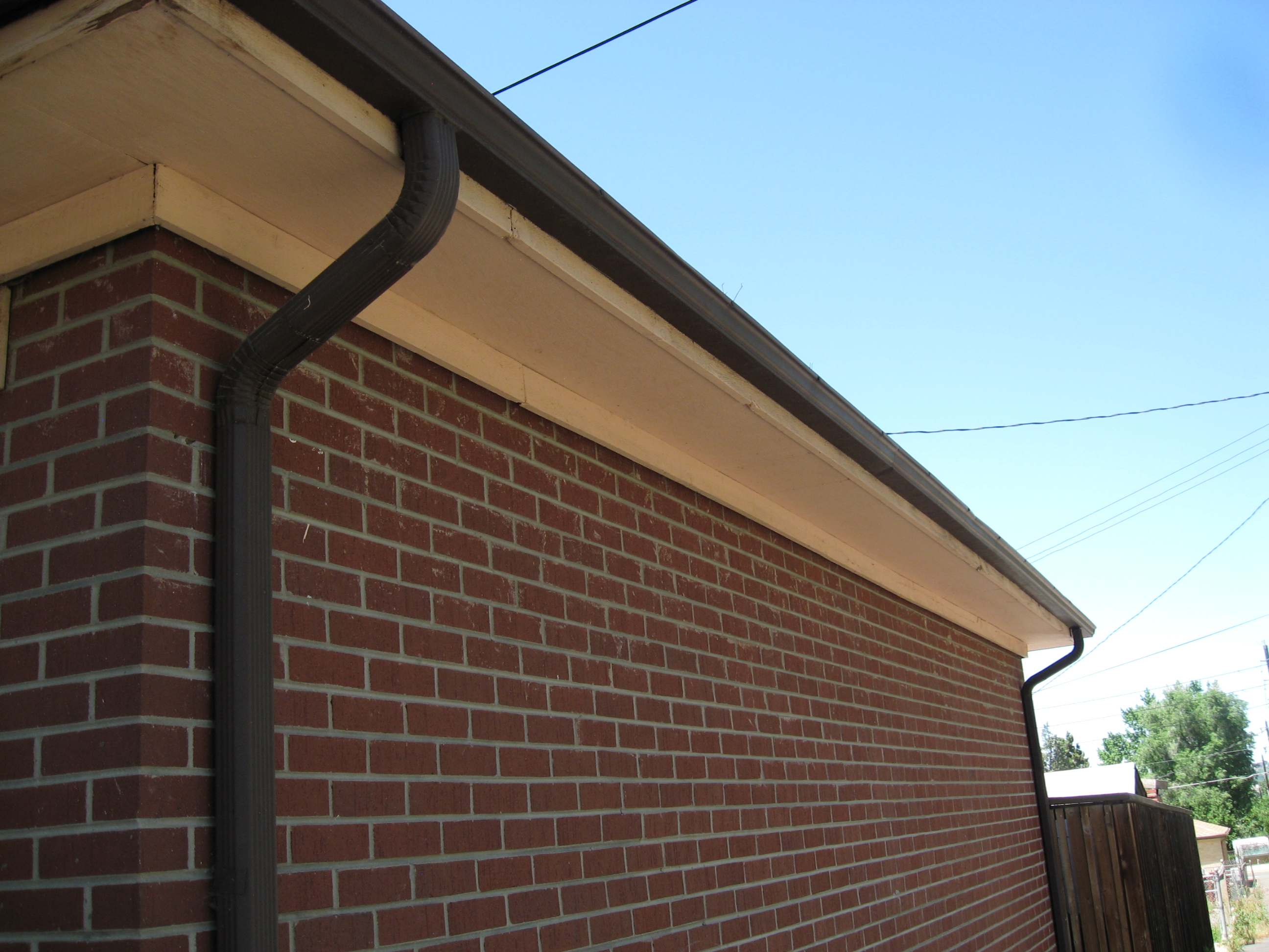 Advantages painting exterior home and replacing gutters eco paint inc - The house without walls ...